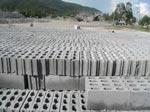 Gạch block xây làm từ đá bụi, xi măng và cát